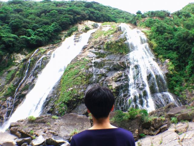 間近で観られてド迫力!な大川の滝